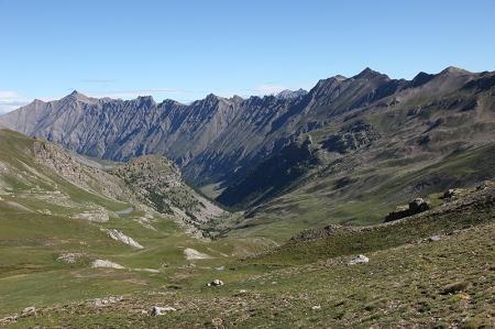 Le vallon de Pelouse depuis le col éponyme